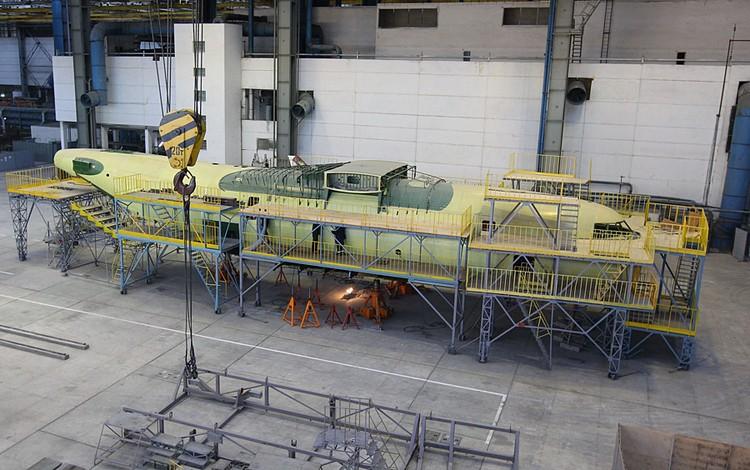"""Всемирно известный украинский авиаконцерн """"Антонов"""", выпускавший ранее самые крупные в мире самолеты Ан-124 """"Руслан"""" и Ан-225 """"Мрия"""", прекратил существование"""