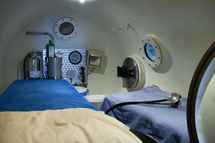 Спать в барокамере холодно из-за большей концентрации гелия в воздухе. ФОТО: предоставлено Северо-Западной организацией Федерации космонавтики России