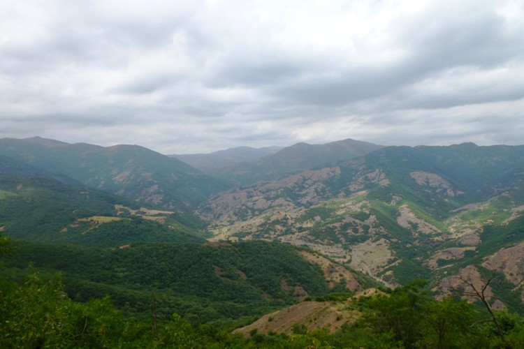 Нагорный Карабах - по таким пейзажам танк не проедет