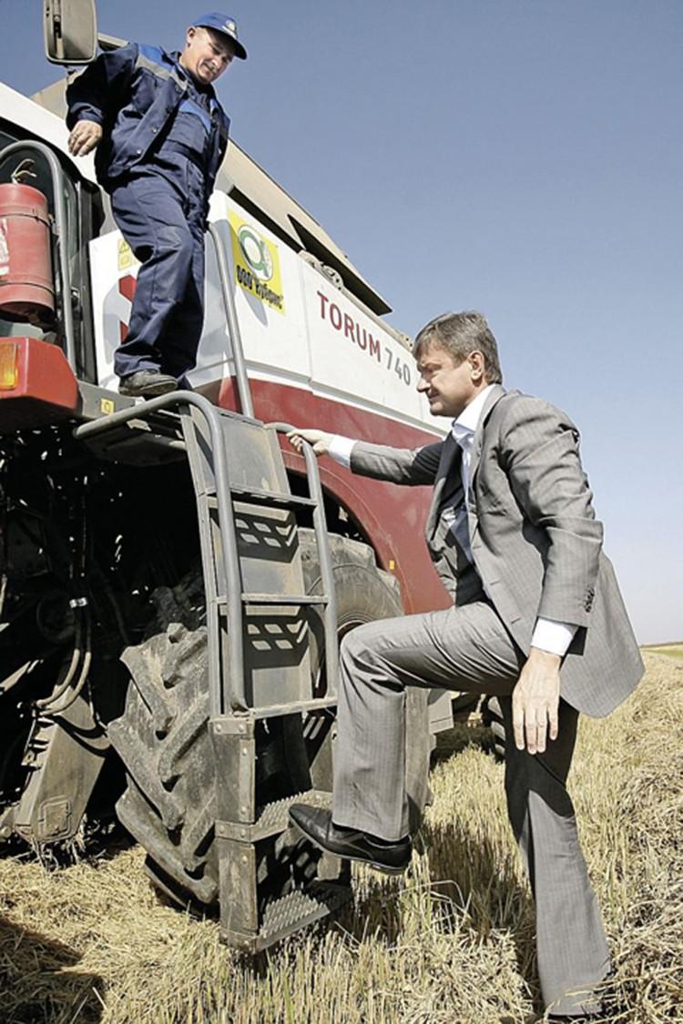 Александр Ткачев: «Вырастим сами не только зерно, но и яблоки с виноградом». Фото: предоставлено пресс-службой администрации Краснодарского края.