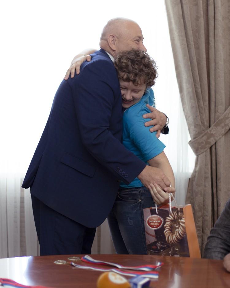 Награждение победителей. Фото: пресс-служба Тверской городской думы