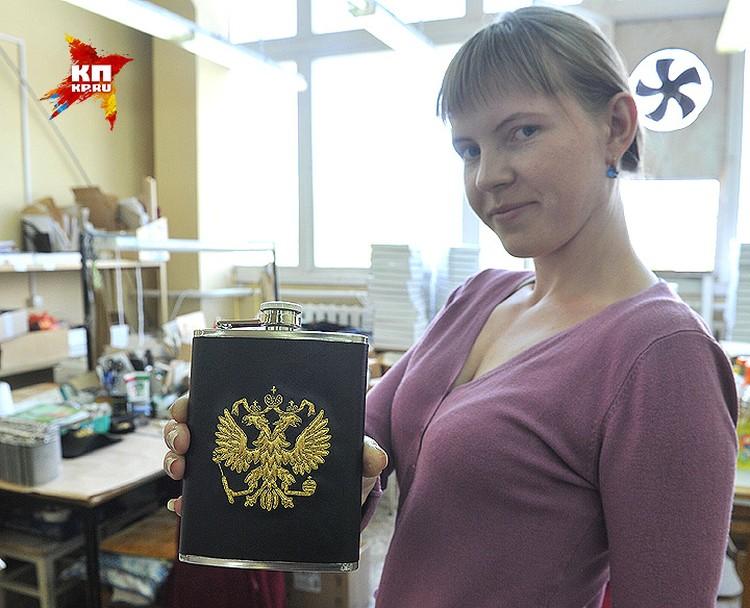 """В помещении фабрики """"Торжокские золотошвеи""""."""
