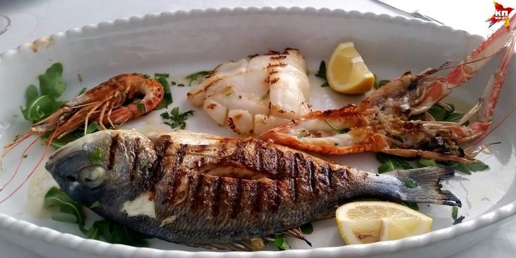 Отличные морепродукты на гриле. Цена – 20 евро.