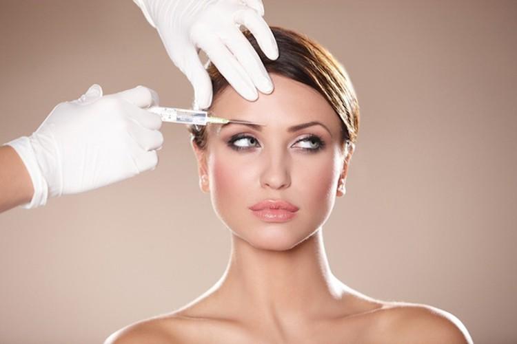 Многие высказывают опасение: если косметические инъекции ботулинического токсина начаты слишком рано