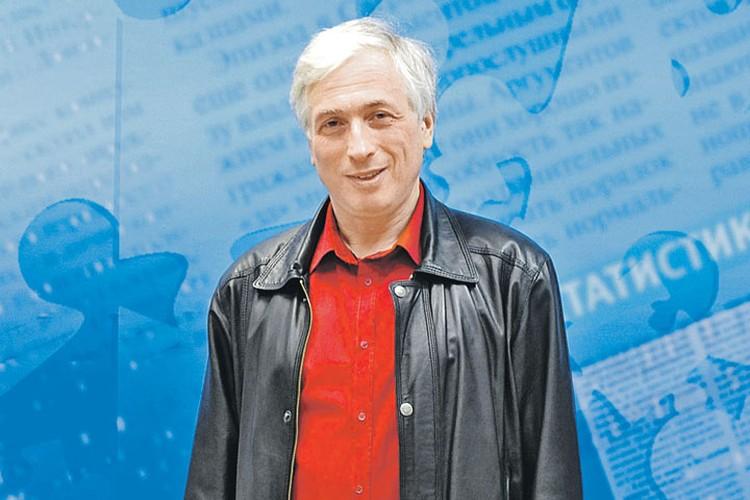 Леонид Млечин - популярный телеведущий, лауреат премии ТЭФИ и автор многих исторических книг.