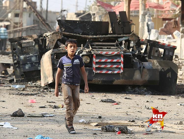 Иракская армия медленно продвигается к Мосулу с юга, подавляя сопротивление ИГИЛ (организация запрещена в РФ),