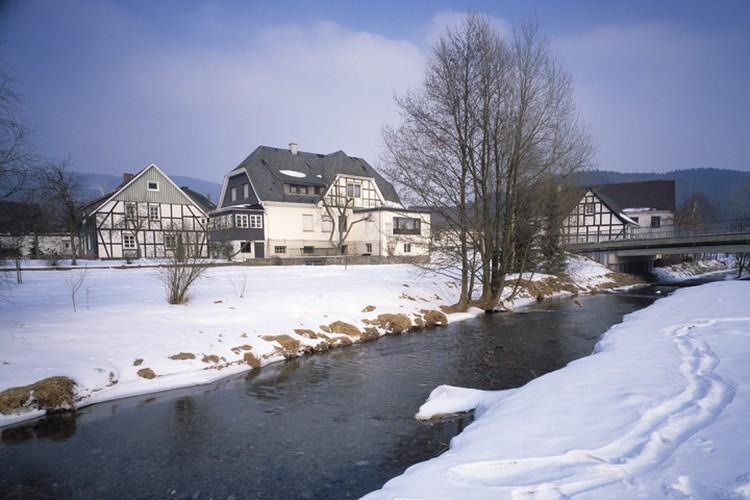 Немецкая община Эслоэ оказалась не мила многодетному семейству. Ее они променяли на сибирское село.