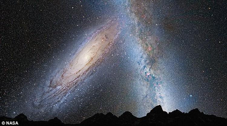 Так будет выглядеть на небе приблизившаяся к нам Туманност Андромеды (слева).