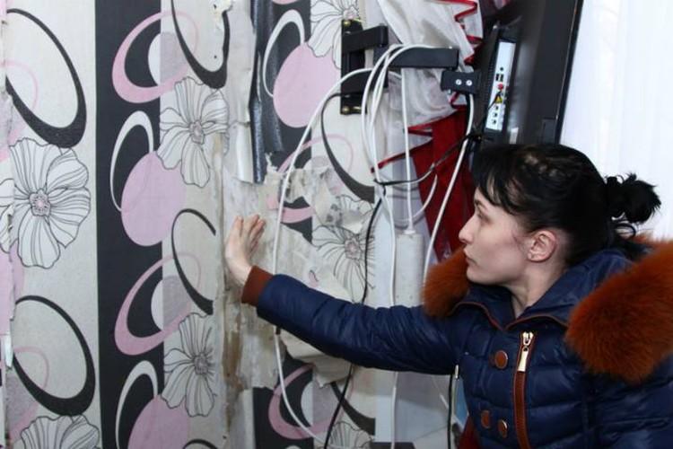 Хозяйка квартиры на Воткинском шоссе, 126 с разрушающейся стеной: Мне страшно тут спать, страшно даже заходить в эту комнату