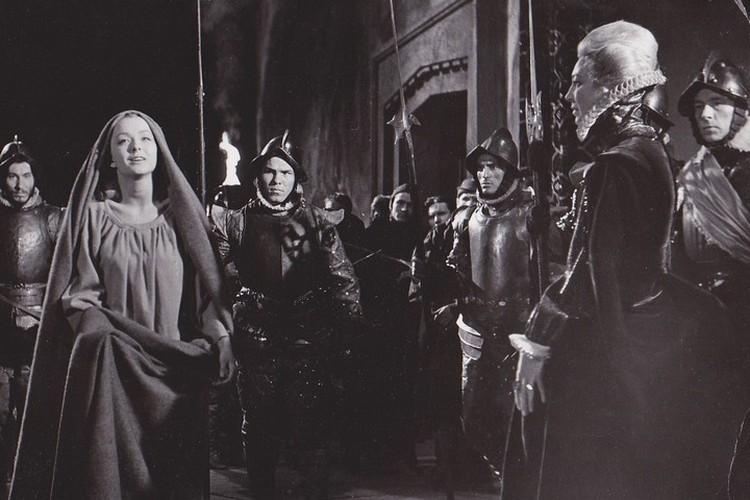 «Гамлет» - вершина творчества Шекспира. Однако в СССР к этой пьесе было особое отношение.