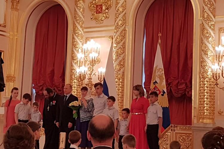 Фото с Владимиром Путиным. Фото: личный архив семьи Седуновых.