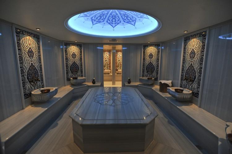 Турецкая баня больше похожа на дворец!