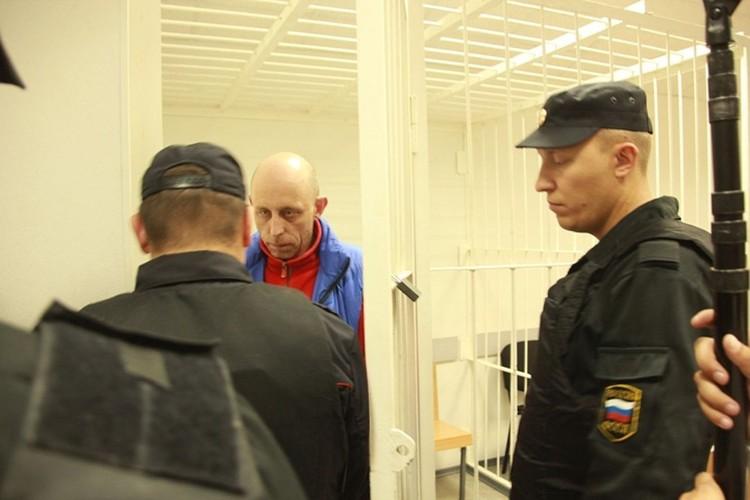А вот ее заместитель Вадим Виноградов считает, что виновен.