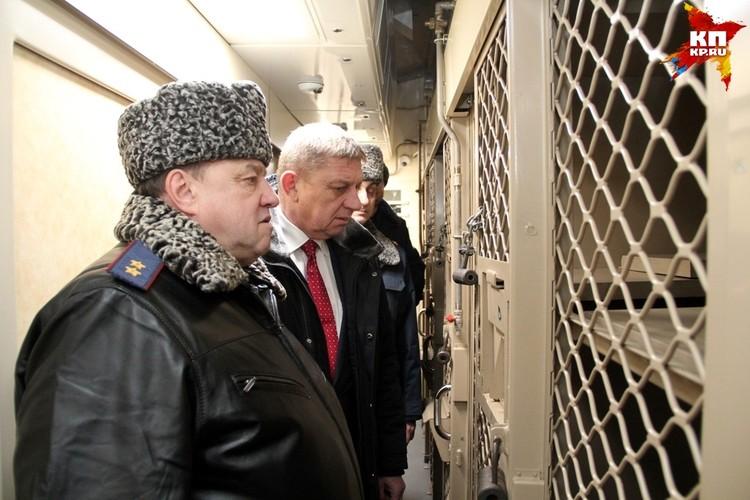 Еще минувшей зимой Смирнов вместе с прокурором области инспектировал условия содержания заключенных. А теперь - сам оказался в этих условиях. Фото: ГУФСИН по РО.