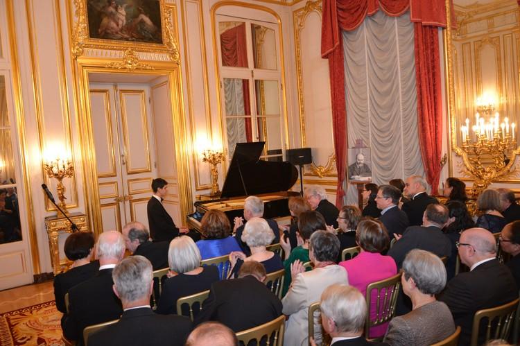 На благотворительном вечере в резиденции посла России во Франции. Фото: Ксения АРРИНЬОН