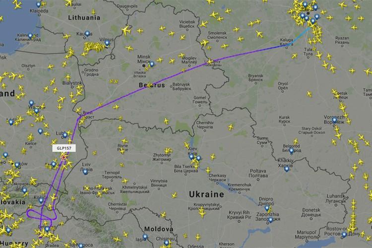 Лайнер, сделав круг над Венгрией, полетел в сторону Москвы