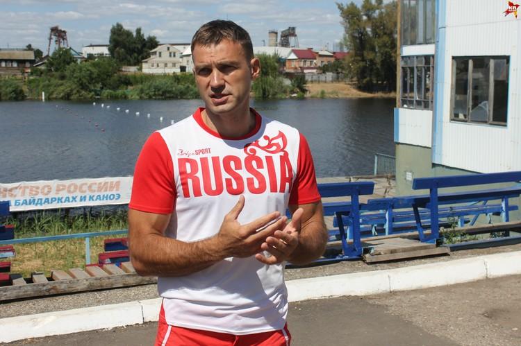 По словам Сергея Улегина, гребля на каноэ-драконах сейчас набирает популярность.