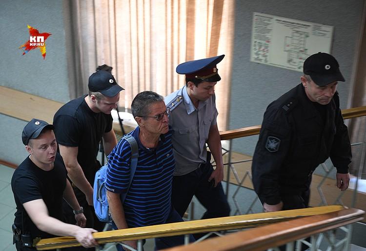 Суд отложил до 1 сентября рассмотрение дела экс-министра Минэкономразвития