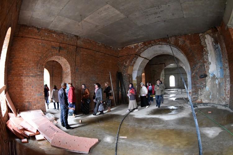 Новосибирские педагоги побывали в Колывани и своими глазами увидели, как идут восстановительные работы.