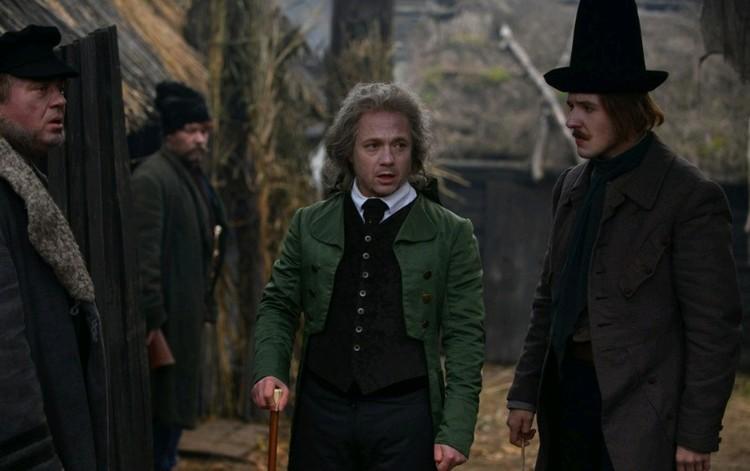 Актер Евгений Стычкин играет местного начальника полиции.