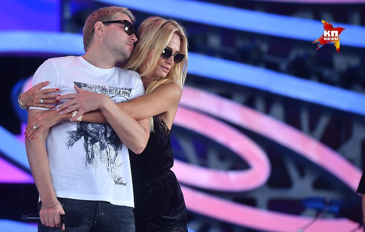Николай Басков и Виктория Лопырева во время репетиции концертного номера.