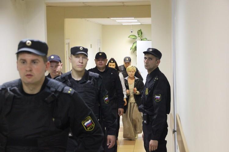 Елена Решетова выглядит так, будто не понимает, о чем речь.