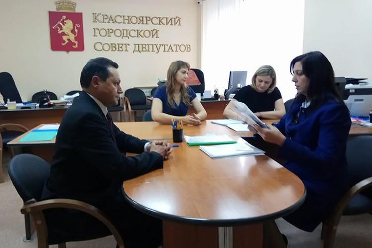 Эдхам Акбулатов подал документы на участие в конкурсе по выборам нового мэра