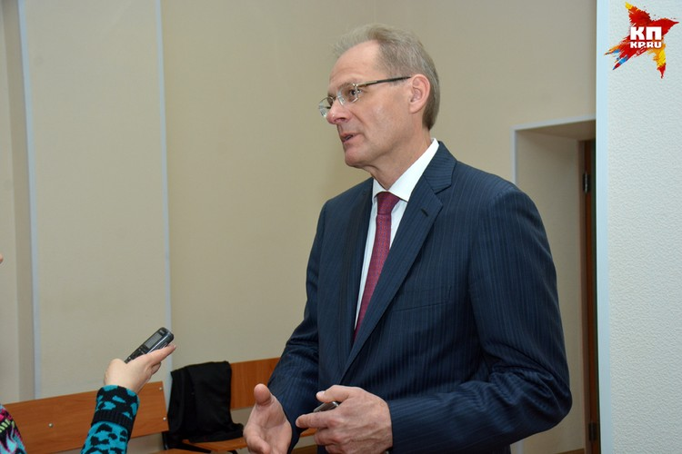 После оглашения приговора Юрченко отказался общаться с журналистами.