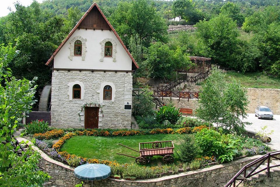 В старой мельнице в Строенцах открыли музей и ресторан. Фото: Александр Продан.
