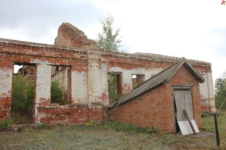 Иргизский Воскресенский мужской монастырь, разрушившийся корпус.