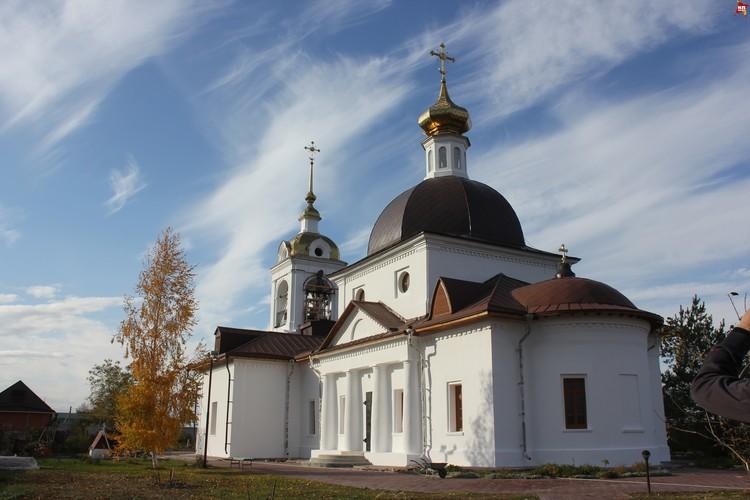 Свято-Никольский женский монастырь, храм на территории.