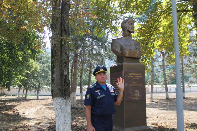Виктор Ляхов
