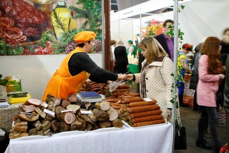 На выставке «Золотая осень» можно было приобрести мясную, овощную и рыбную продукцию по ценам томских производителей.