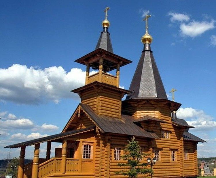 Галкина и Пугачеву обвенчали в Михаило-Архангельский храме, в селе Бушарино