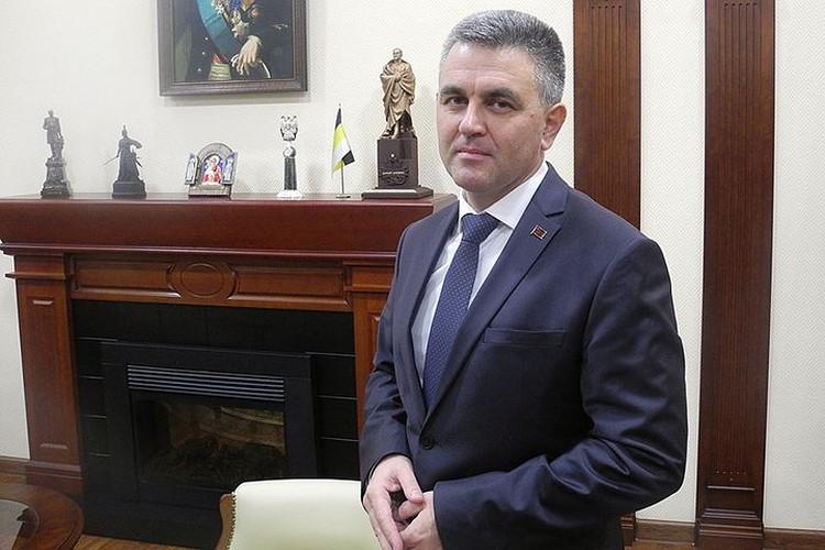 Нынешний президент Приднестровья Красносельский в 2012-2015 годах был руководителем службы безопасности «Шерифа»