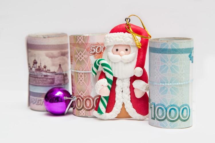 В наше время деньги стали частым и вполне привычным подарком на Новый год.
