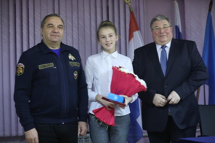 Шестиклассница Дарья Манченкова помогла доплыть до берега незнакомому парню