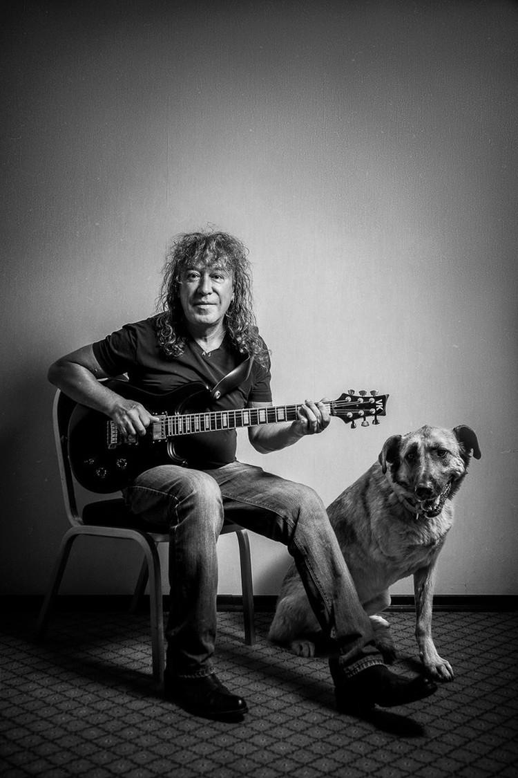 Владимир Кузьмин - участник фото-проекта с самарской собакой