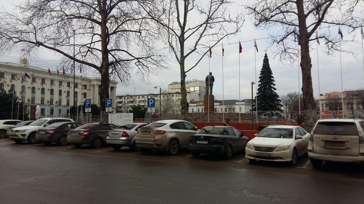Ранее многоуровневую парковку хотели построить рядом с площадью Ленина.