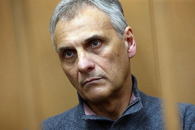 Экс-губернатора Сахалина Хорошавина за взятки отправили в колонию на 13 лет. Фото: Антон Новодережкин/ТАСС