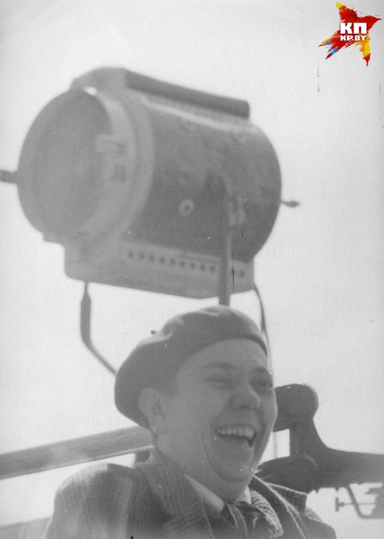 Короткевич не терял чувство юмора даже на съемочной площадке фильма, с которым было столько проблем еще до съемок. Фото: архив семьи Владимира Короткевича