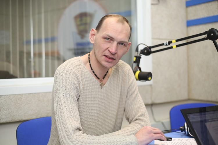 Андрей Шадрин сам вырос в детском доме.