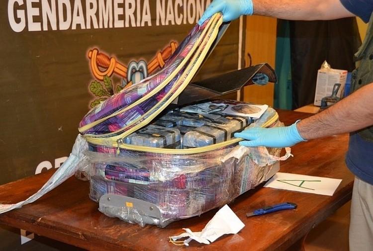 Был случай - кокаин из Колумбии вывозила жена американского борца с наркотиками. ФОТО сlаrin.cоm