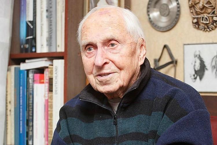 Михаилу Михайловичу 94 года, но он до сих пор востребован