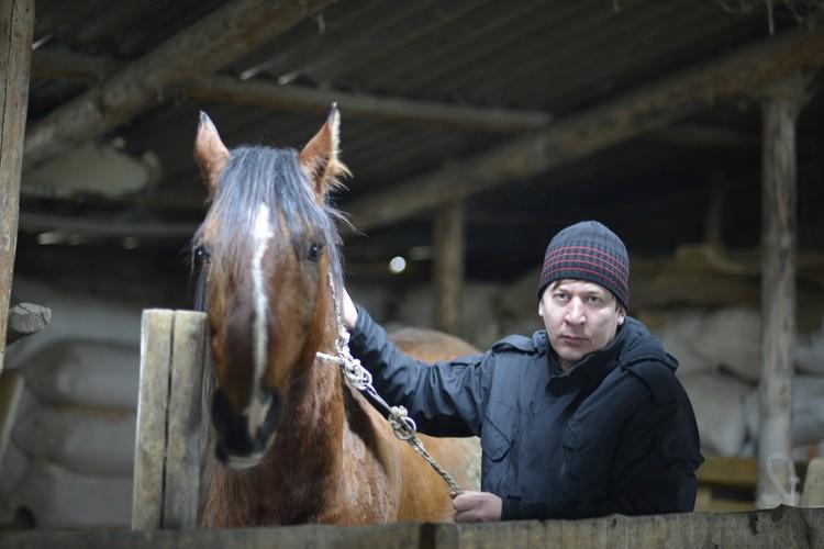 Сын Денисенко, Юрий, никуда из родного села уезжать не собирается