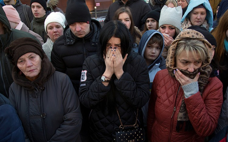 По последним данным, в результате ЧП погибли 64 человека, и еще 44 пострадали