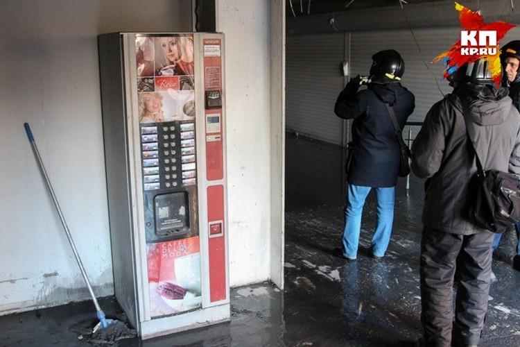 Зачем здесь автомат для приготовления кофе?