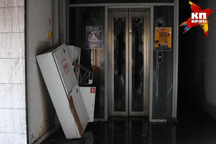 Лифт, на которм больше никто не поднимется.