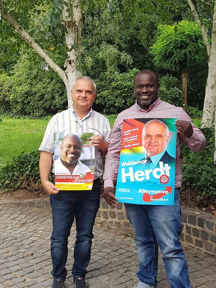 Вальдемар Гердт (на фото слева), депутат Бундестага от партии «Альтернатива для Германии».