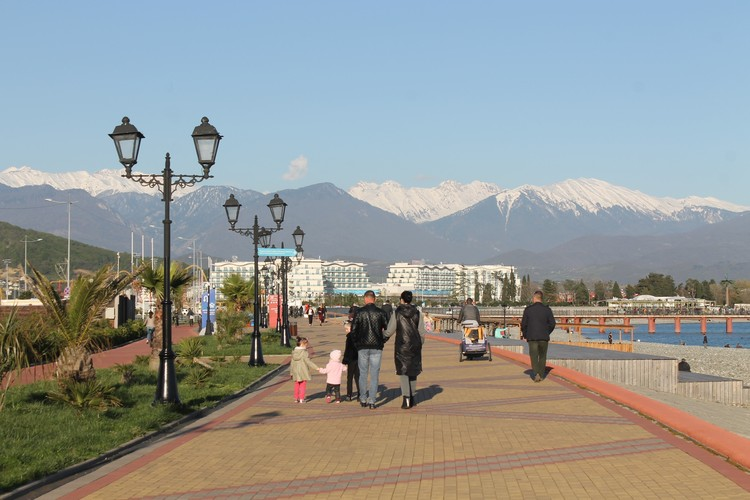 В межсезонье в Сочи часто едут семьи с детьми